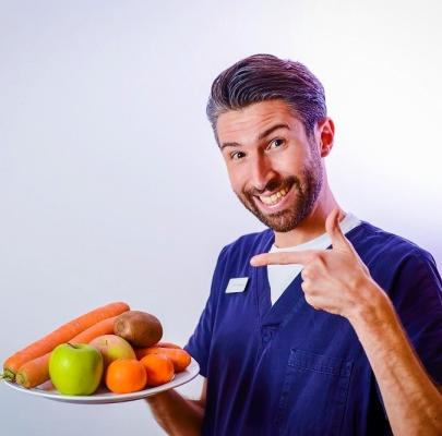 cosa mangiare dopo intervento orale clinica del sorriso